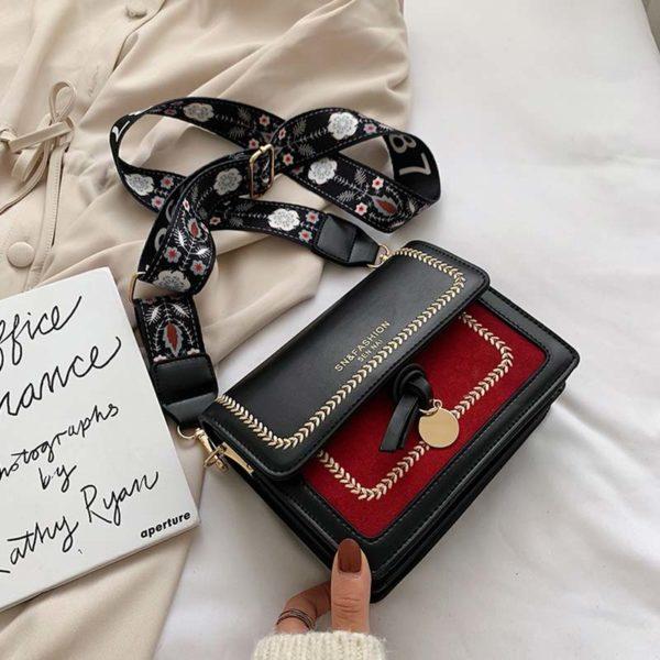 Dámská elegantní kabelka s módním sportovním popruhem Vignetta