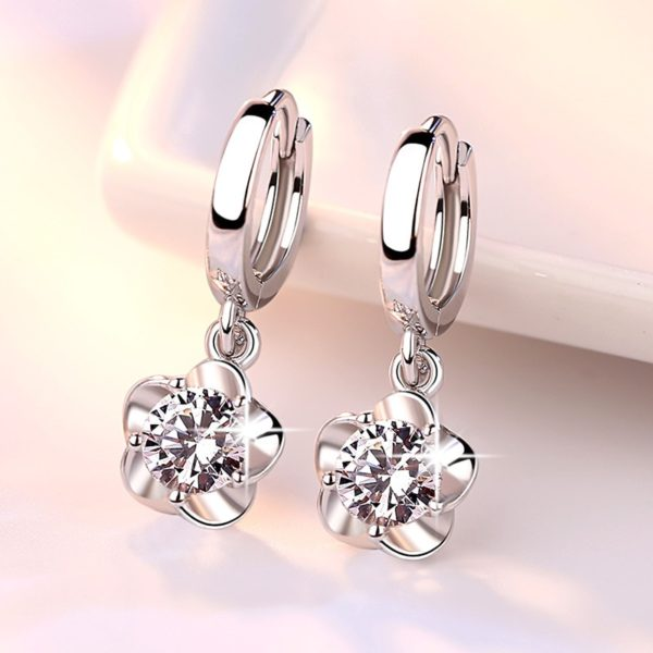 Dámské elegantní stříbrné náušnice Floral