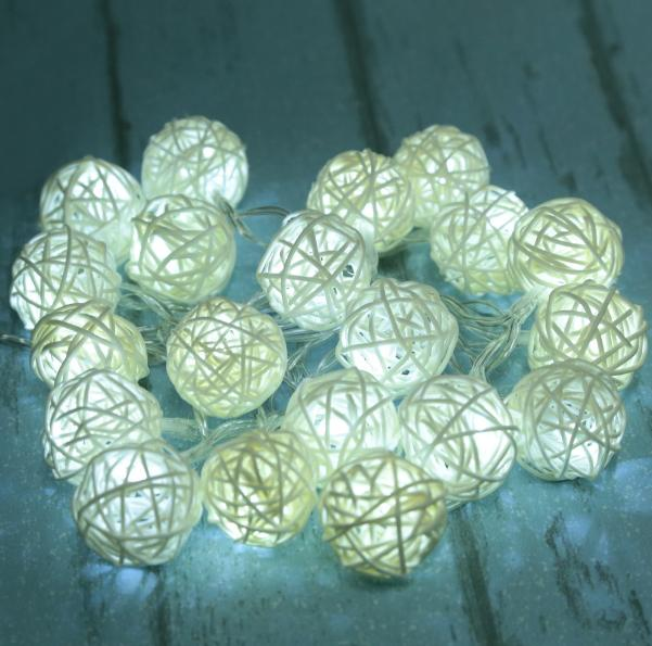 Stylová led dekorace ratanové koule