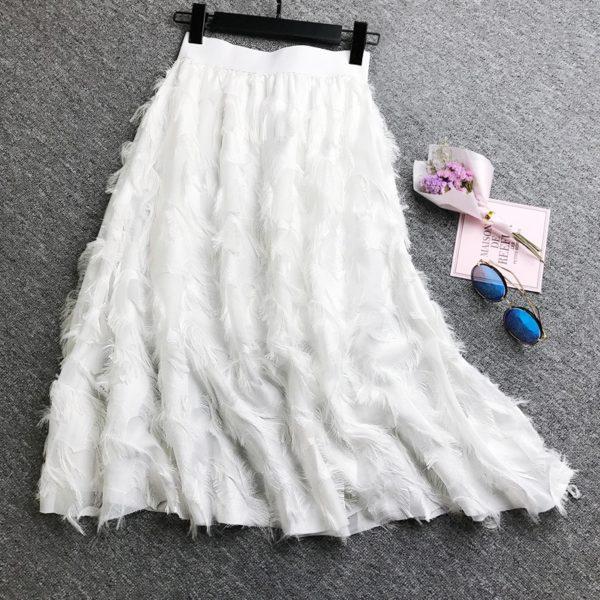 Dámská elegantní sukně s peříčky Lilyana - kolekce 2020