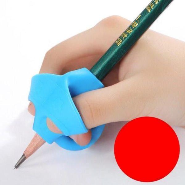 Egonomická pomůcka na správné držení tužky Finn