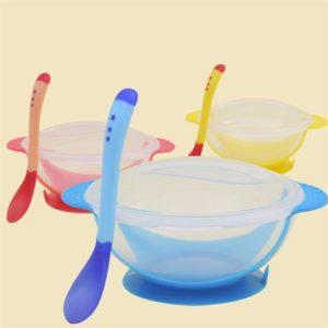 Dětská praktická miska s přísavkou a lžičkou