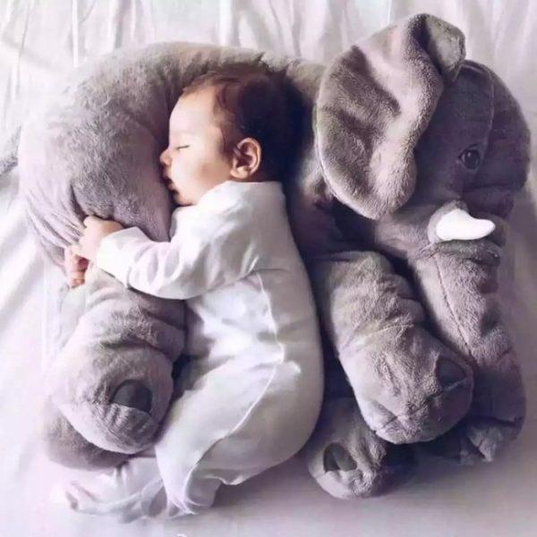 Roztomilý plyšový slon, který lze použít i jako polštářek