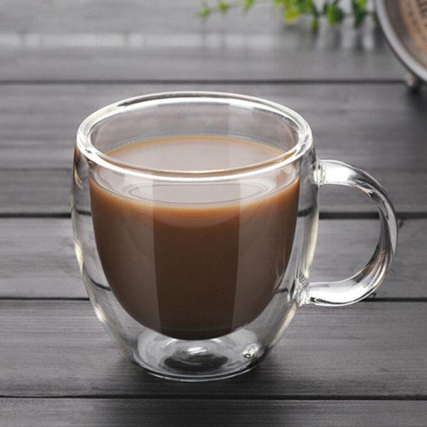 Skleněný hrnek na kávu