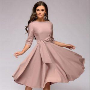 Dámské elegantní šaty se širokou sukní Nubia