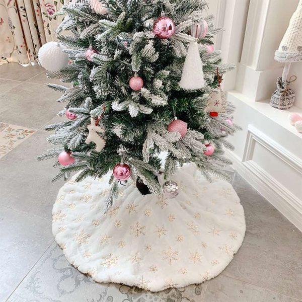 Krásná vánoční sukně s hvězdičkama pod stromeček