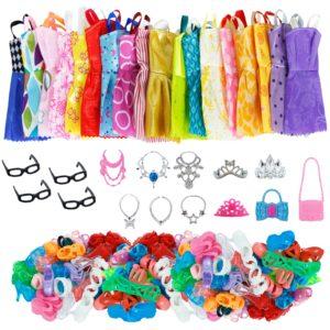 Sada šatů a doplňků pro panenky Barbie