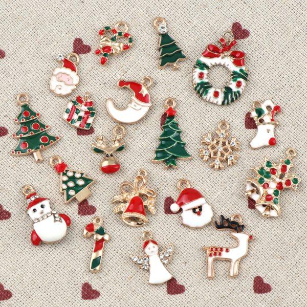 Vánoční kovové ozdoby na stromeček