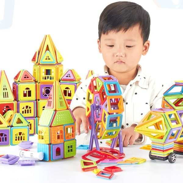 Dětská kreativní zábavná magnetická stavebnice