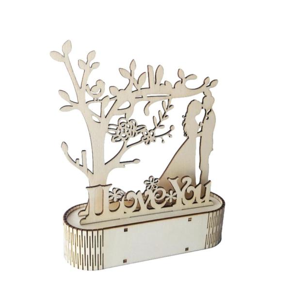 Dřevěná stolní dekorace pro zamilované páry