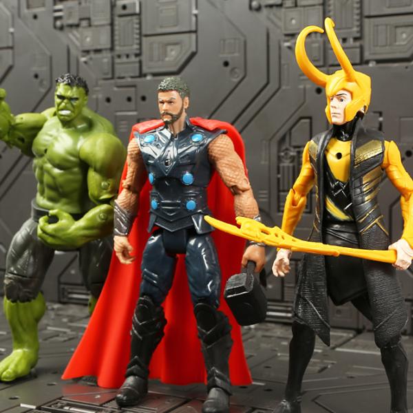 Akční figurky oblíbených superhrdinů