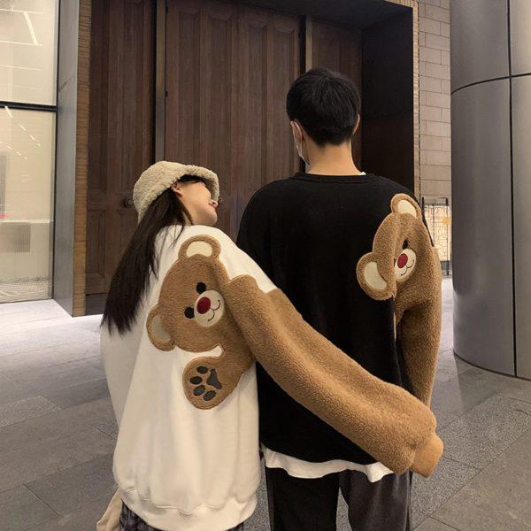 Oversize mikina s nášivkou medvěda na rukávu