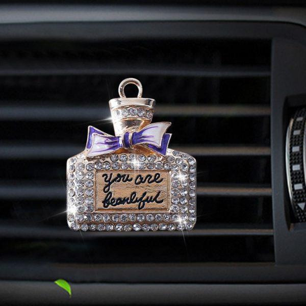 Dekorační parfémová láhev - luxusní vůně do auta
