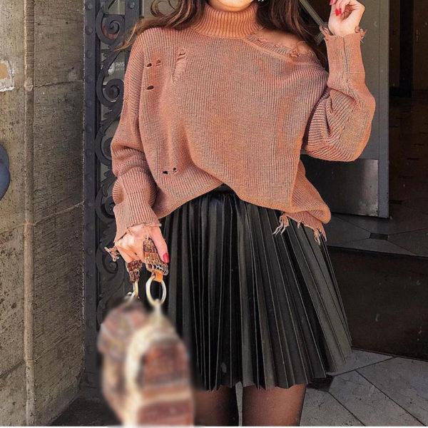 Trendy skládaná kožená sukně
