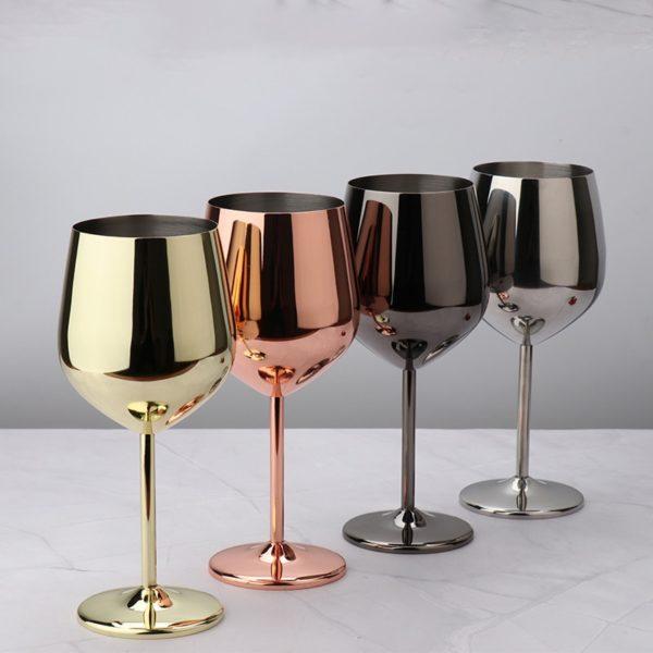 Metalické sklenice na víno