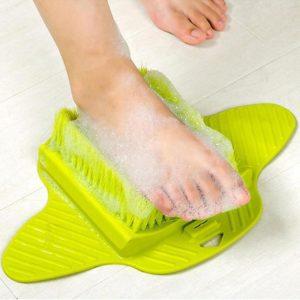 Čistící a masážní kartáč pro chodidla