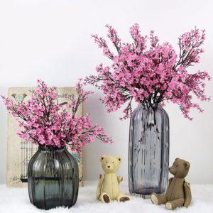 Krásné umělé květiny