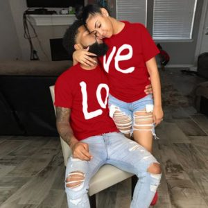 Červená trika pro zamilované páry