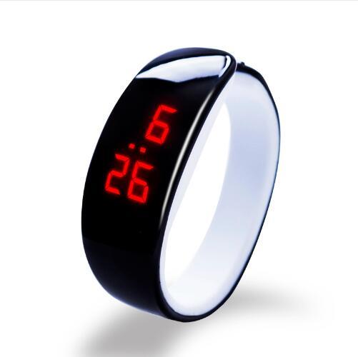 Digitální náramkové hodinky
