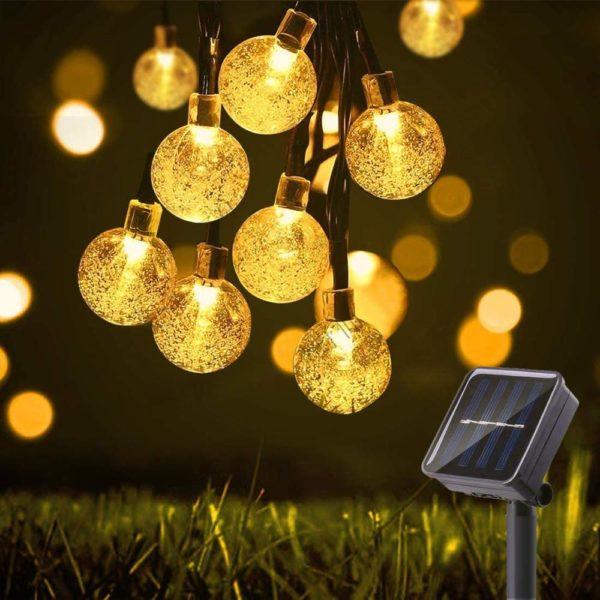Solární venkovní osvětlení v podobě žárovek