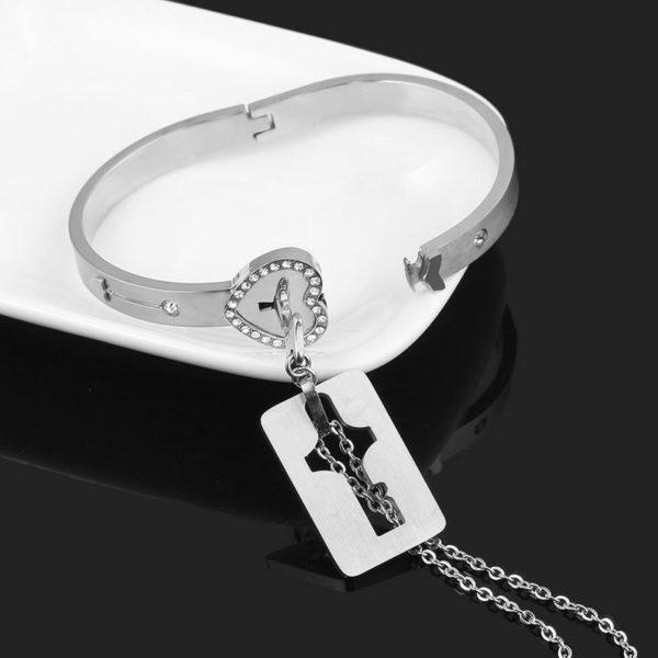 Náramek a náhrdelník pro zamilované páry