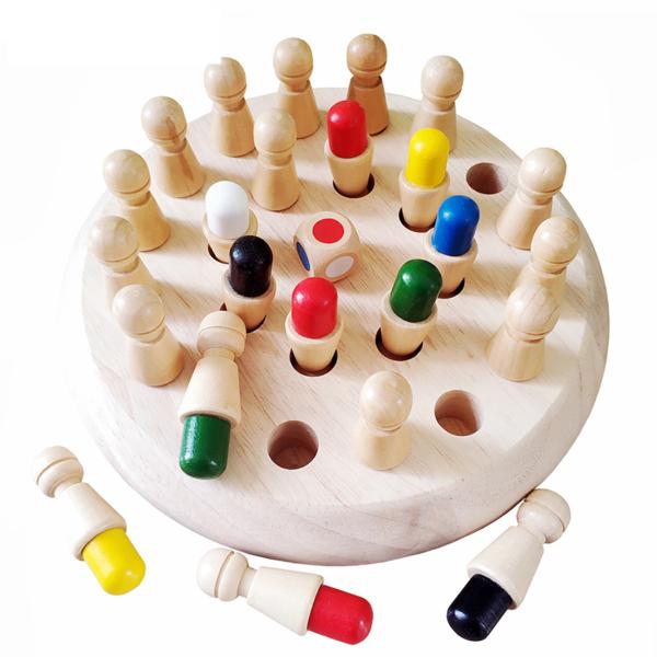 Dřevěná hrací deska se šachy pro děti