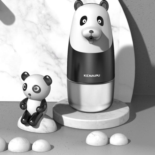 Automatický dávkovač pěnového mýdla ve tvaru pandy