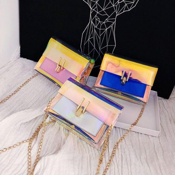 Modní holografická kabelka se zlatým zapínáním