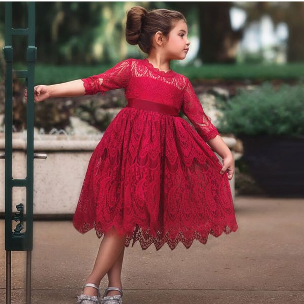 Společenské krajkové plesové šaty pro dívky