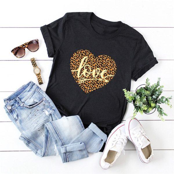 Dámské tričko s potiskem srdce a krátkým rukávem - více variant