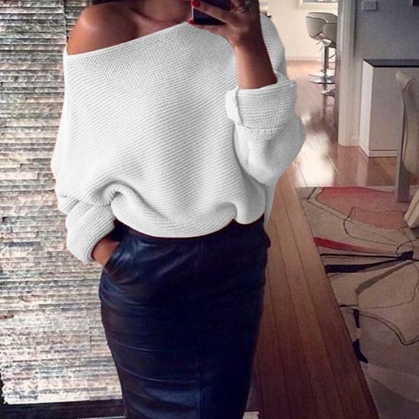 Sexy dámský svetr s odhaleným ramenem