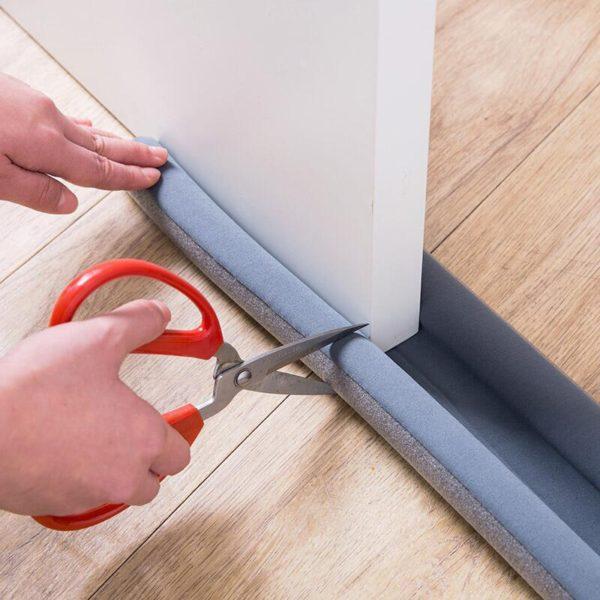 Těsnící páska na dveře proti hluku a profukování