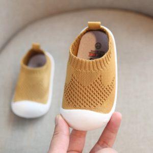 Dětská obuv protiskluzová s gumovou podrážkou