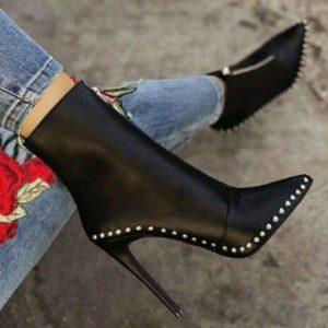 Zdobené módní trendy městské boty s kamínky