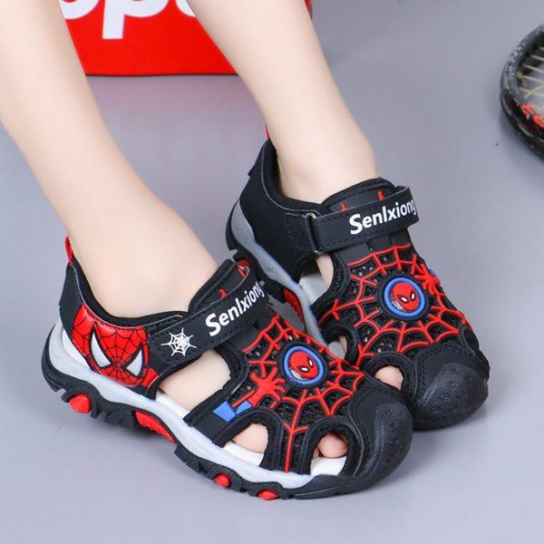 Dětské módní plážové sportovní sandály - motiv oblíbeného Pavoučího muže