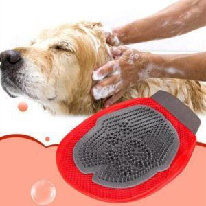 Praktická rukavice na mytí domácích mazlíčků