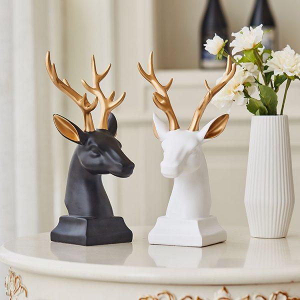 Dekorační soška v podobě jelena