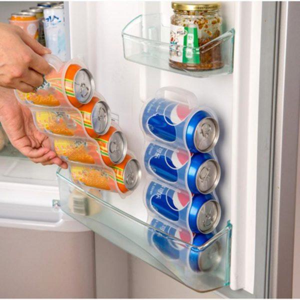 Úložný organizér na plechovky do lednice