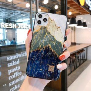Luxusní kryt na iPhone ve stylu mramorových hor
