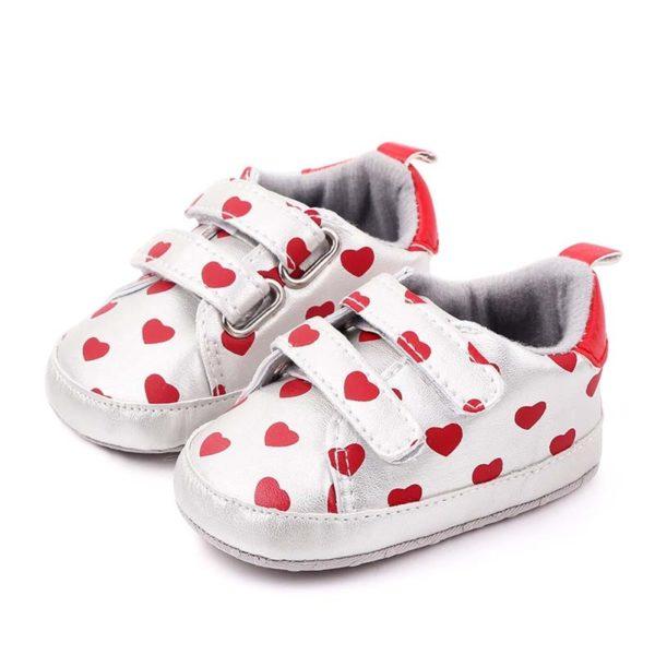 Dětské botičky na suchý zip se srdíčky