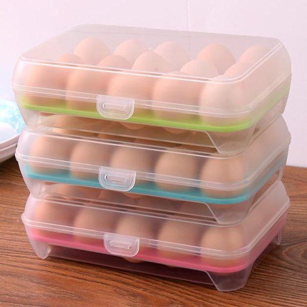 Barevný plastový box na skladování vajec