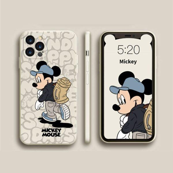 Silikonový obal na iPhone s potiskem oblíbeného zamilovaného páru Mickeyho a Minnie