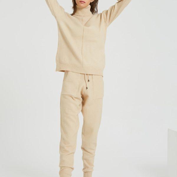 Dámská souprava - svetr a tepláky