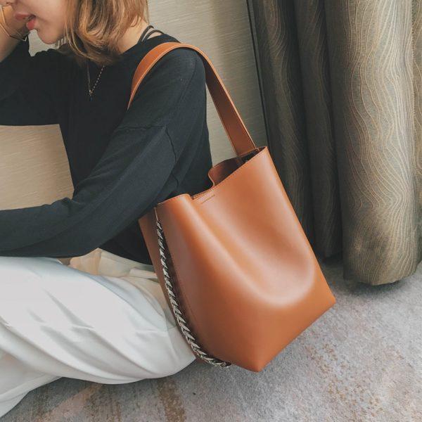 Značková dámská velkokapacitní kožená kabelka přes rameno