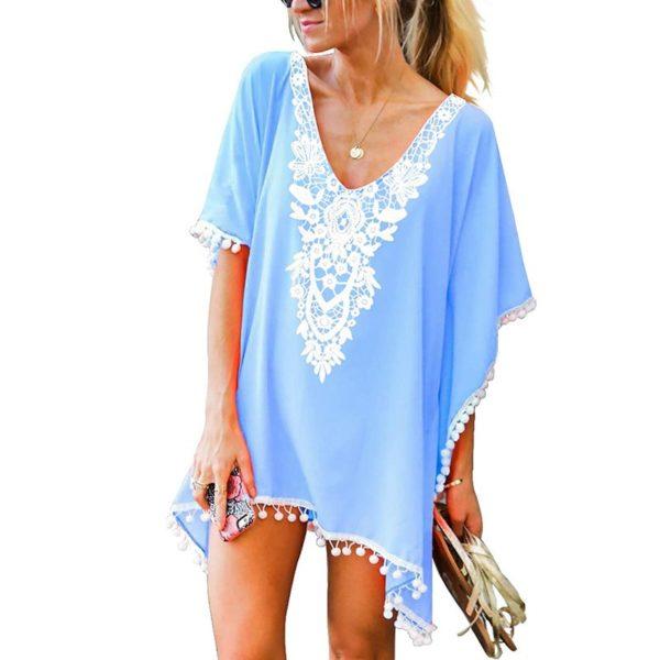 Dámské plážové šaty se zajímavým vzorem a třásněmi