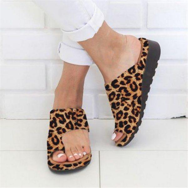 Dámské stylové leopardí pantofle