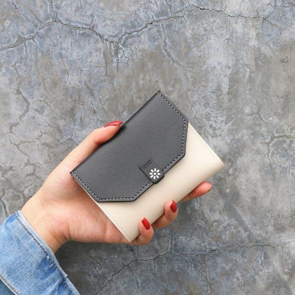 Elegantní dámská malá peněženka