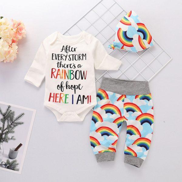 Set novorozeneckého oblečení s duhovým potiskem