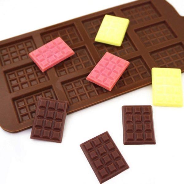 Silikonová forma na 12 čokoládek