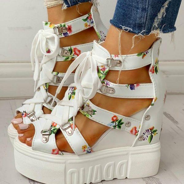 Krásné dámské květinové vysoké boty se šněrováním